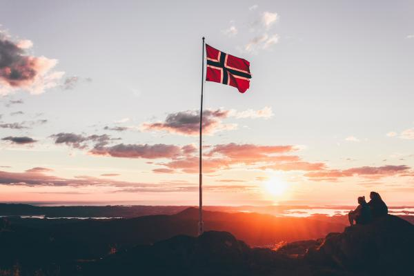 Play your way to fluency in Norwegian with revolutionary apps for iOS, Android + Web